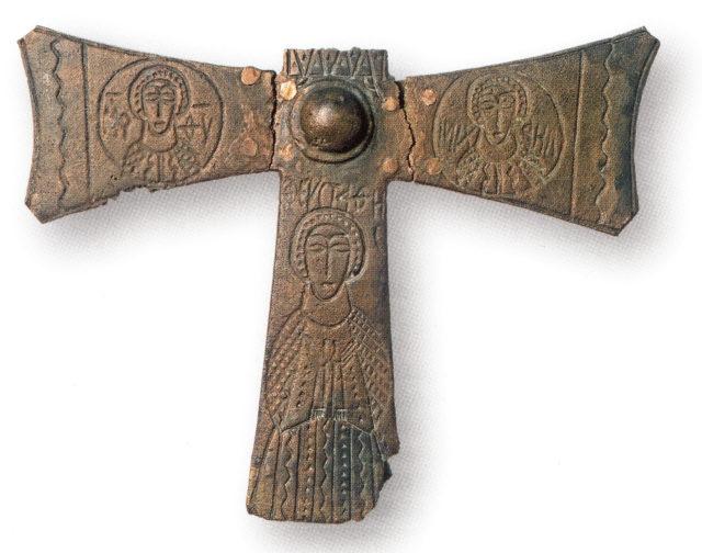 Бронзовый литой крест. Херсон. VIII – IX вв. ГИМ.
